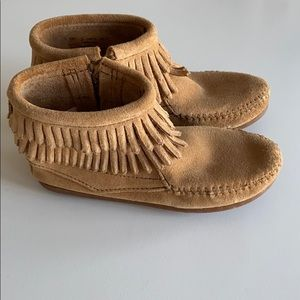 Girls Minnetonka Booties Size 2